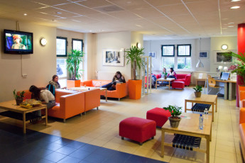 Stayokay Amsterdam Vondelpark : Stayokay Amsterdam Vondelpark lounge