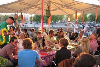 Göteborg - Stigbergsliden : Goteborg-Stigbergsliden restaurant on patio