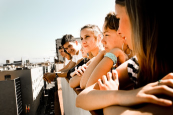 Barcelona - Be Hostels Sound : Guests socialising on the balcony at Be hostels sound