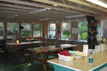 HI - Eastham : Dining and food preparation area at HI Eastham Mid Cape