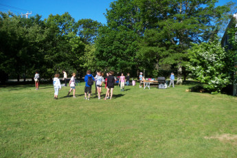 HI - Martha's Vineyard : Children enjoying a BBQ at HI Martha's Vineyard