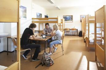 Bergen Montana : Bergen Montana Hostel dorm people