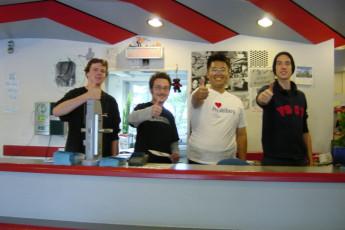 Frankfurt - Haus der Jugend : Haus der Jugend guests at desk