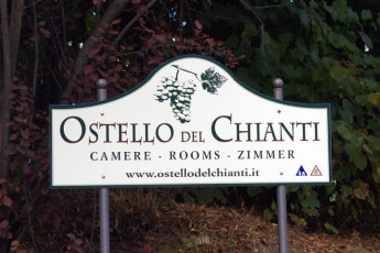 Florence - Ostello del Chianti : Signpost welcoming you toFlorence Tavarnelle Chianti YH