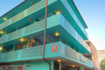 HI - Waikiki : Exterior of HI Waikiki