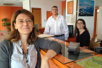 Naples - Mergellina : Mergellina Hostel staff members at the reception desk