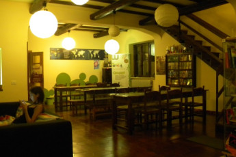 Zagarolo - WIKI Hostel (Rome Hinterland) : Common room at Wiki Hostel