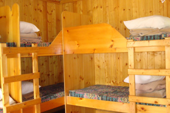 HI - Rampart Creek Wilderness Hostel : HI - Rampart Creek Wilderness Hostel dorm room