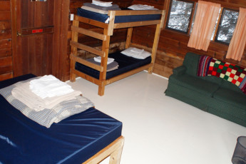 HI - Athabasca Falls Wilderness Hostel : HI - Athabasca Falls Wilderness Hostel private family room