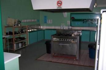 Esperance YHA : Esperance YHA kitchen