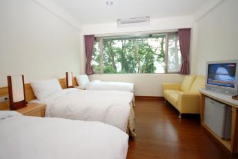 Fuhsing Youth Activity Center - Taoyuan : Dorm room in Fuhsing-Youth-Activity-Center, Taiwan