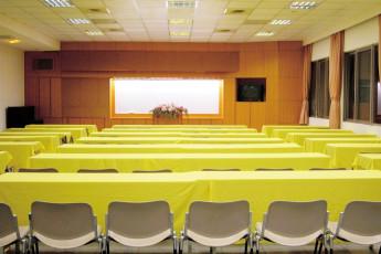 Fuhsing Youth Activity Center - Taoyuan : Dining hall in Fuhsing-Youth-Activity-Center, Taiwan