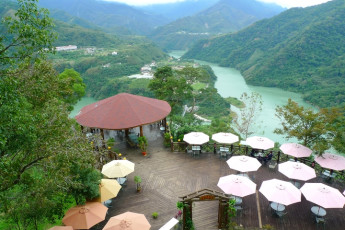 Fuhsing Youth Activity Center - Taoyuan : Outside restaurant area at Fuhsing-Youth-Activity-Center in Taiwan