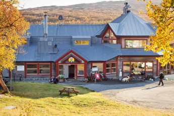 Storulvån Mountain Station : Jamtland Storulvan Mountain Lodge front