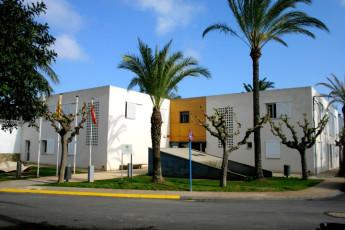 Poble Nou Del Delta - L'Encanyissada : of the Poble Nou Delta LEncanyissada hostel front