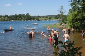 Rimforsa/Kalvudden : Rimforsa Kalvudden people swim