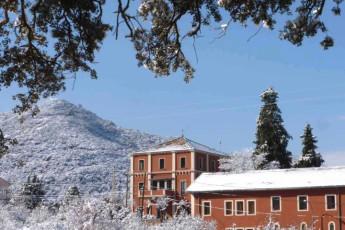 L'Espluga de Francoli - Jaume I : L Espluga de Francolí Jaume I Hostel im Schnee