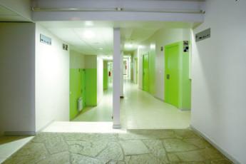 Coma Ruga - Santa Maria del Mar : Coma Ruga Santa Maria del Mar hallway