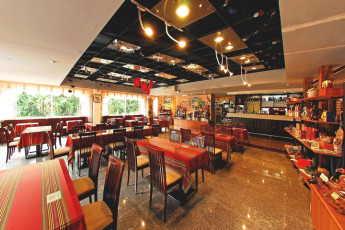 Sun Moon Lake Youth Activity Center : Restaurant in Sun Moon Lake Youth Activity Center in Taiwan