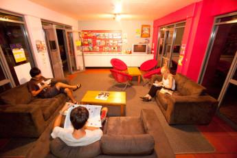 Byron Bay YHA : Byron Bay YHA lounge