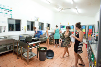 Byron Bay YHA : Byron Bay YHA kitchen