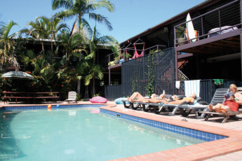 Byron Bay YHA : Byron Bay YHA swimming pool