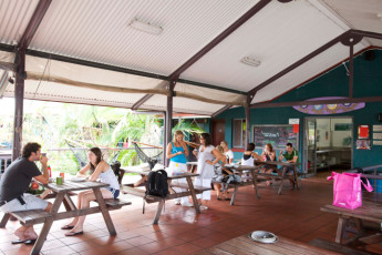 Byron Bay YHA : Byron Bay YHA cafe