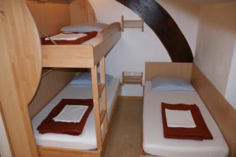 Innsbruck - Fritz Prior - Schwedenhaus : Innsbruck Fritz prior Sweden House 3 bed dorm