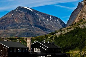 Kebnekaise Mountain Station : Kebnekaise Mountain Lodge hostel in Lappland Sweden outside