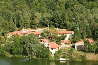 Saint-Etienne - Les Echandes : Wide view The Echandes hostel in France
