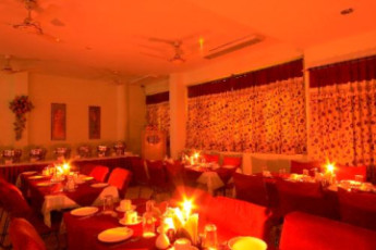 Jaipur - Hotel Sarang Palace : Dining Area in Jaipur - Hotel Sarang Palace Hostel