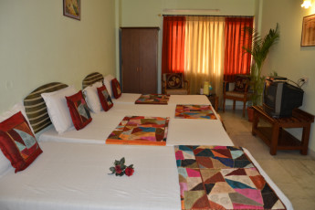 Jaipur - Hotel Sarang Palace : Bedroom in Jaipur Hotel Sarang Palace Hostel