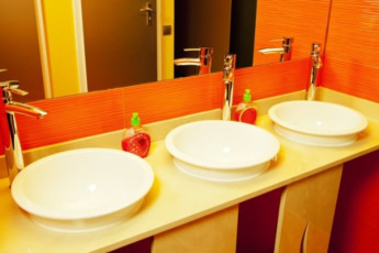 Kiev - ZigZag Hostel : Bathroom in Kiev - ZigZag Hostel in Ukraine