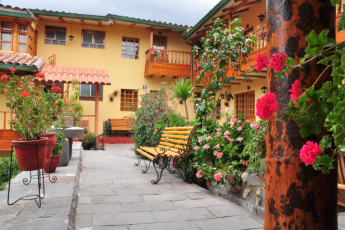 Cusco - Hostel Amaru : Exterior of Cusco - Hostel Amaru hostel in Peru