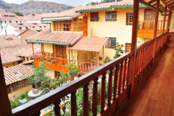 Cusco - Hostel Amaru : View over courtyard at Cusco - Hostel Amaru hostel rooms in Peru