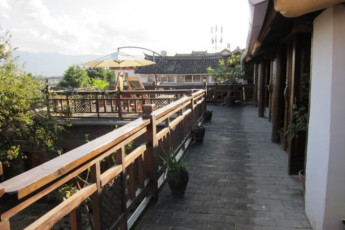 Yunnan - On The Road Youth Hostel : Exterior view of Yunnan - On The Road Youth Hostel in China