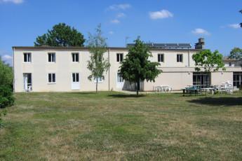 Auberge de jeunesse Hi Poitiers : Exterior View of Poitiers Hostel, France