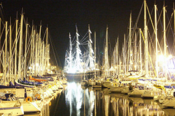 Lorient : Harbor near the Lorient hostel in France