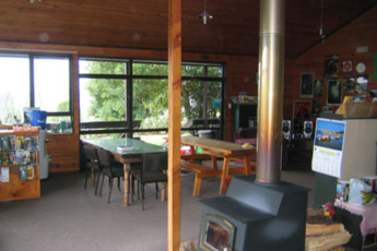 YHA Waitomo : Lounge and Dining Area in YHA Waitomo - Juno Lodge Hostel, New Zealand