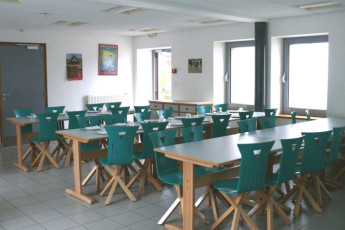 Auberge de jeunesse Hi Cherbourg en Cotentin : View of the Dining area in the Cherbourg/Octeville hostel in France
