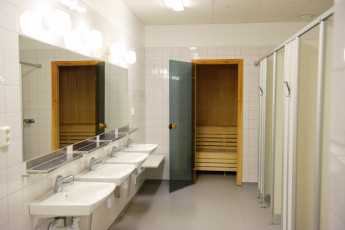 Åre Torg : Showers and sauna area in the Are Torg hostel in Sweden