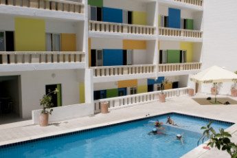 Msida - NSTS Campus Residence : Pool area at the Msida - NSTS Campus Residence hostel in Malta