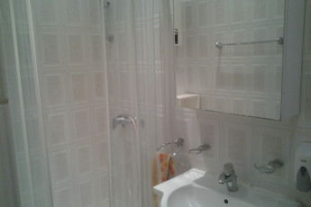 Belgrade - Sun Hostel Belgrade : Shower in the Belgrade - Sun Hostel Belgrade in Serbia