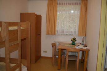 Blaubeuren : Blaubeuren Hostel dorm room