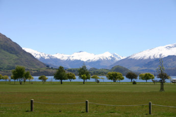 YHA Wanaka : Panoramic View of Landscape Surrounding Wanaka YHA - Purple Cow Hostel, New Zealand