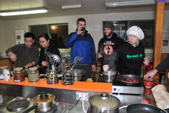 YHA Wanaka : Kitchen in Wanaka YHA - Purple Cow Hostel, New Zealand
