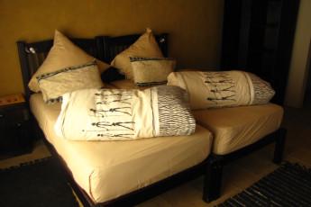 Windhoek - Chameleon Backpackers : Twin room in the Windhoek - Chameleon Backpackers hostel in Namibia