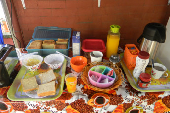 Cali - Sunflower Hostel : Breakfast at Cali - Sunflower Hostel, Colombia