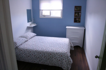 HI - Trinity East : Private double room in the HI - Trinity East hostel in Canada