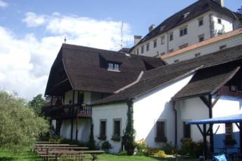 Jindrichuv Hradec - Pension u Tkadlen : Exterior View of Jindrichuv Hradec - Pension u Tkadlen Hostel, Czech Republic